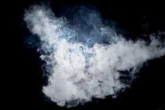Feche acima do fumo do vapor no fundo preto Fotografia de Stock Royalty Free