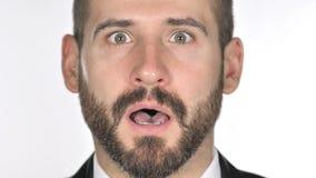 Feche acima do homem de negócios chocado, querendo saber Face da barba filme