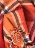 Feche acima do lenço vermelho de lãs fotografia de stock royalty free