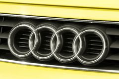 Feche acima do logotipo de Audi a3 na parte dianteira do carro Fotos de Stock Royalty Free