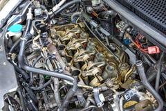 Feche acima do motor de automóveis foto de stock