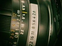 Feche acima do oldie do vintage do lense da foto retro imagens de stock