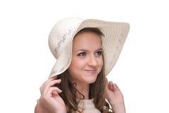 Feche acima do retrato da mulher bonita nova no chapéu foto de stock