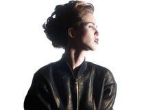 Feche acima do retrato do modelo fêmea novo isolado no backgr branco Foto de Stock