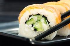 Feche acima do rolo de sushi de Philadelphfia Fotografia de Stock
