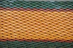 Feche acima do telhado do templo em Tailândia imagens de stock