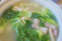 Feche acima do tiro da sopa deliciosa do estilo de Shanghai fotos de stock royalty free