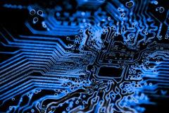 Feche acima dos circuitos eletrônicos na placa de lógica do fundo do computador da tecnologia de Mainboard, cartão-matriz do proc fotografia de stock royalty free