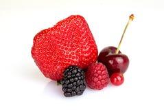 Feche acima dos frutos vermelhos do verão Fotos de Stock Royalty Free