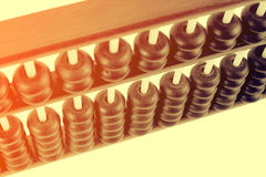 Feche acima dos grânulos de madeira de um ábaco Foc seletivo Fotos de Stock Royalty Free