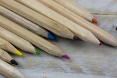 Feche acima dos lápis coloridos Fotografia de Stock Royalty Free