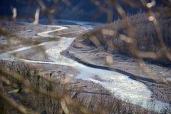 Feche acima dos laços do rio no vale italiano Imagens de Stock Royalty Free