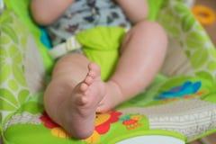 Feche acima dos pés do bebê Imagem de Stock Royalty Free