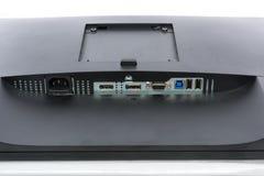 Feche acima em conectores do sinal de entrada de uma exposição de computador moderna imagens de stock
