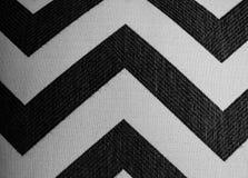 Feche acima em listras preto e branco da viga no fundo da tela imagem de stock royalty free