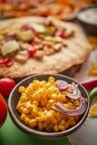 Feche acima em sementes do milho com a vária variedade mexicana recentemente feita dos alimentos fotografia de stock royalty free
