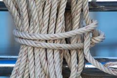 Feche acima na corda da amarração Imagem de Stock