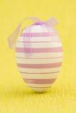 Feche acima na posição do ovo da páscoa Fotografia de Stock Royalty Free