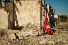 Fed upp jultomten royaltyfri foto