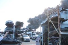 Feder-Rauch des Los Angeles-Schrottplatz-Feuer-2016 Stockfoto