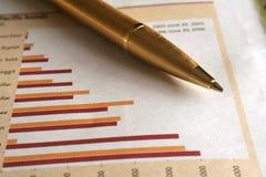 Feder und Diagramme Lizenzfreies Stockfoto