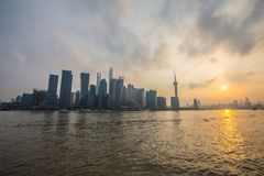 Federación de Shangai en la puesta del sol Fotos de archivo libres de regalías