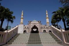Federacyjnego terytorium meczet, Kuala Lumpur Malezja przy niebieskim niebem Zdjęcia Stock