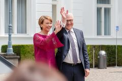Federacyjny prezydent Niemcy, Frank Walter Steinmeier i jego żona przy jawnego domu dniem w Bonn, Niemcy obrazy stock