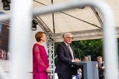 Federacyjny prezydent Niemcy, Frank Walter Steinmeier i jego żona przy jawnego domu dniem w Bonn, Niemcy obraz stock