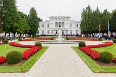 Federacyjny prezydent Niemcy Walter Steinmeyer przy jawnym domem przy willą Hammerschmidt zdjęcie stock