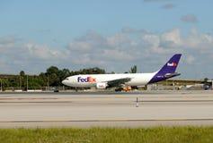 Реактивный грузовой самолет Federal Express Стоковое Изображение