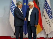 Federal Foreign Minister Dr Frank-Walter Steinmeier welcomes Erlan Abdyldaev Stock Photography