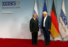 Federal Foreign Minister Dr Frank-Walter Steinmeier welcomes George Vella Stock Photo