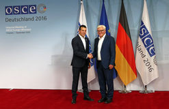 Federal Foreign Minister Dr Frank-Walter Steinmeier welcomes Nikola Poposki Stock Photography