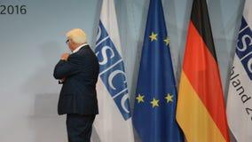 Federale Minister van Buitenlandse Zaken Dr Frank-Walter Steinmeier op de Vergadering van de Informele die Minister van Buitenlan stock video