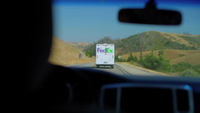 Fedex acarrea hacia fuera para la entrega almacen de video