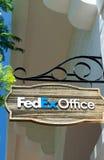 Fedex almacena y firma Imagen de archivo libre de regalías