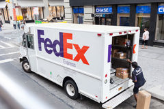 Fedex Ekspresowa ciężarówka w Miasto Nowy Jork Zdjęcie Stock