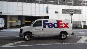 Fedex-leveringsbestelwagen