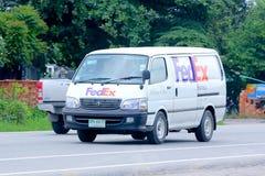 Fedex skåpbil Arkivbild