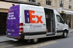 Fedex-vrachtwagen in Parijs, Frankrijk Stock Foto