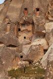 Fee bringt Steinklippen unter stockbild