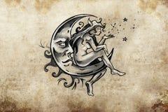 Fee, die auf dem Mond, Tätowierungsskizze, handgemachtes Design über v sitzt Stockbild
