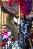 Fee kleurrijke carrousel met stuk speelgoed paard op het vierkant van de Republiek ` s, Florence, Toscanië, Italië stock foto