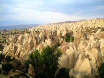 Feenhafte Kamine in Cappadocia (die Türkei) Stockfotografie