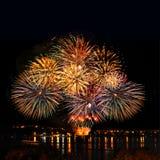 Feest helder vuurwerk Royalty-vrije Stock Foto's