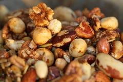 Feestelijk behandel - Kruidige noten! Stock Fotografie