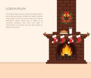 Feestelijk binnenland van de ruimte Baksteenopen haard met brand, Kerstmiskousen en kroon, de melk en de koekjessnack voor Santa  Royalty-vrije Stock Foto's