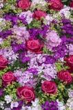 Feestelijk boeket van rozen en hydrangea hortensia's in roze Stock Foto