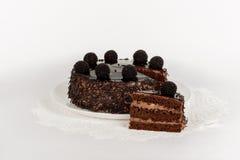 Feestelijke cake op wit Stock Afbeelding